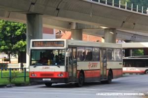 SMRT Mercedes-Benz O405 (TIB595H)