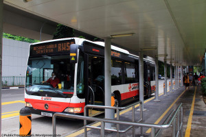 RWS8 queue at HarbourFront (SMRT operations)