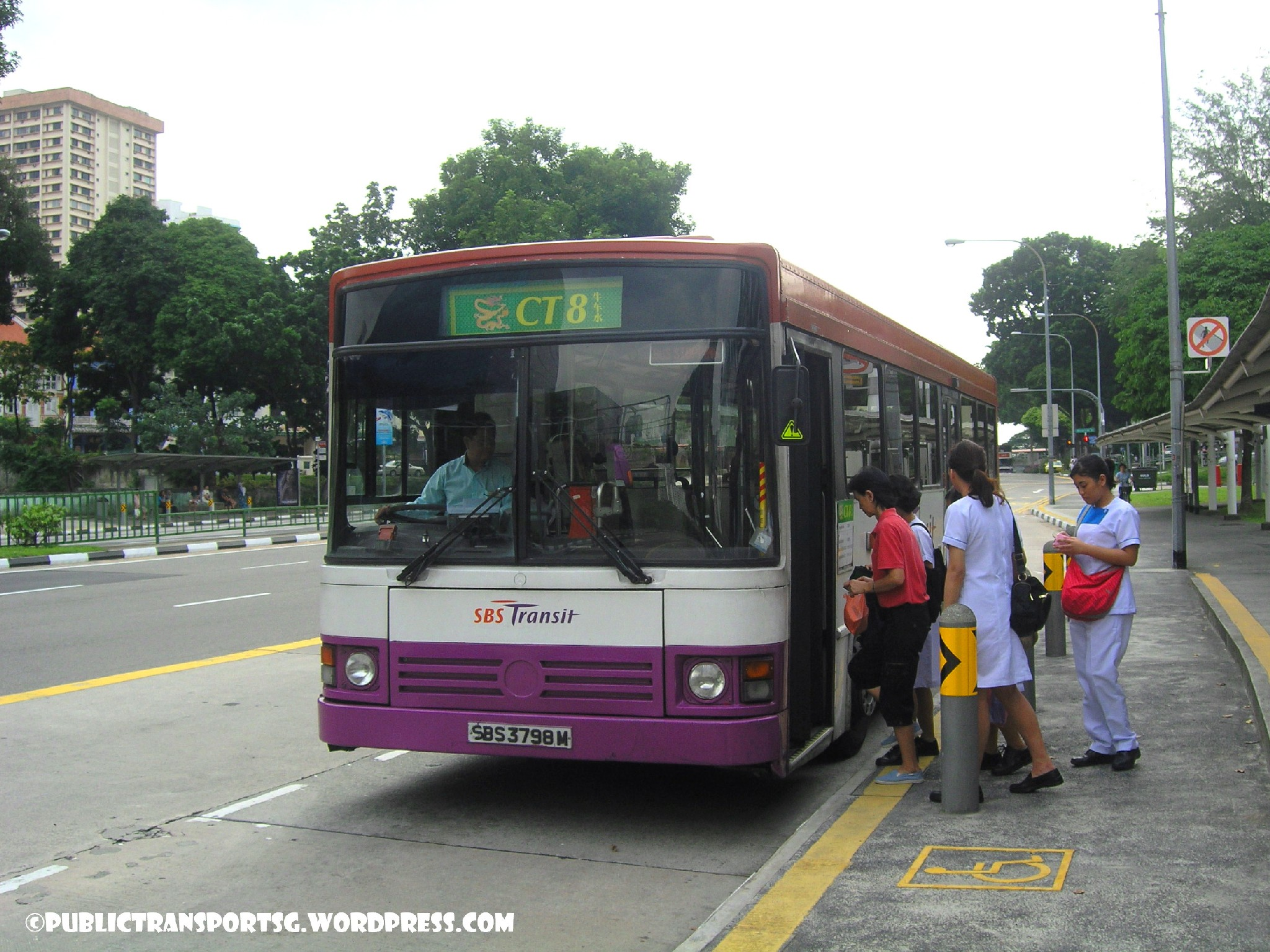 SBS Transit Mercedes-Benz O405 () - Chinatown Direct CT8