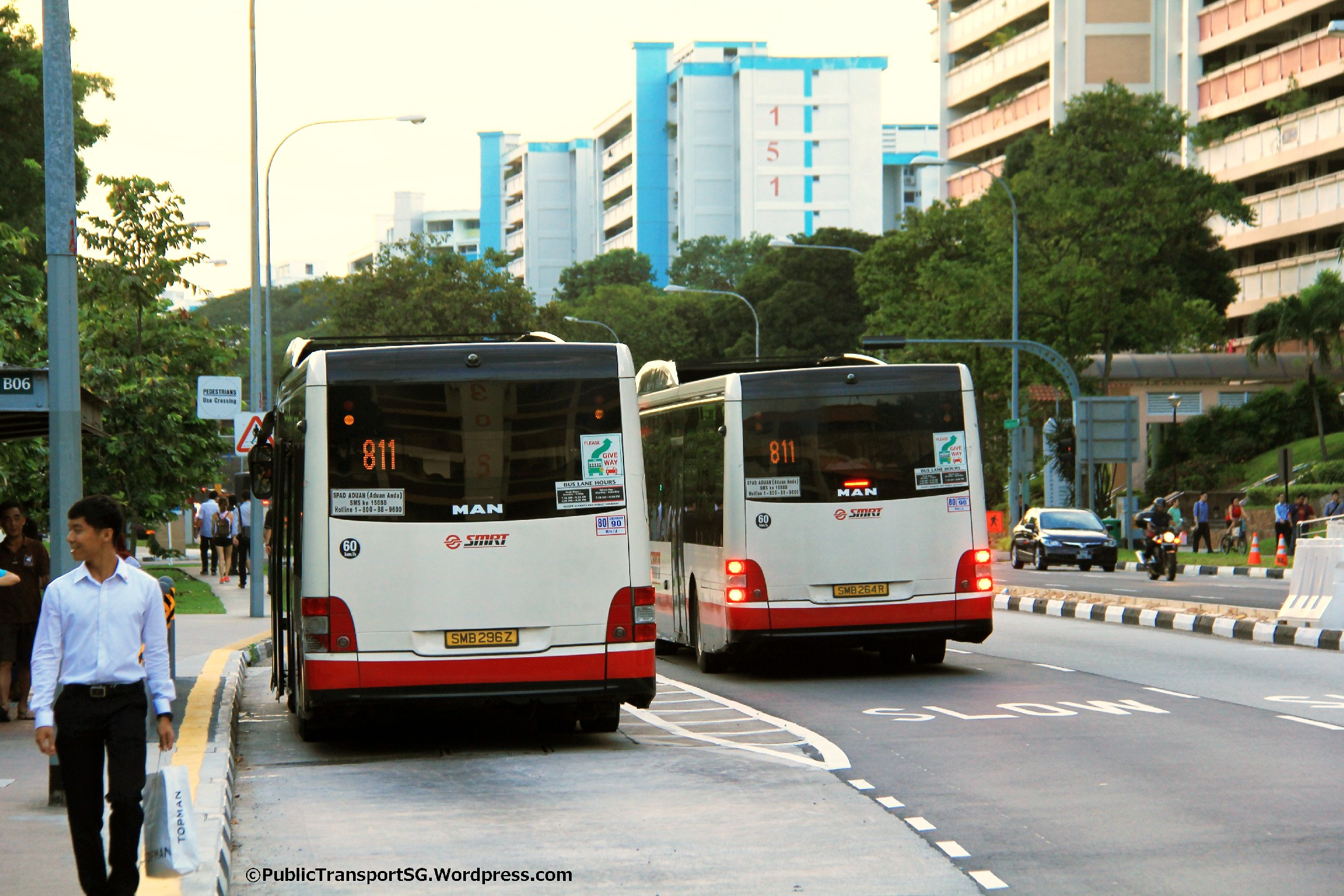 Service 811 bunching at Yishun Ctrl
