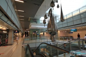 Promenade MRT Station - Overhead view of Upper platform level from Concourse level