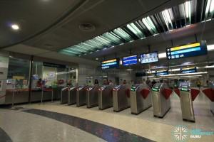 Bayfront MRT Station - Passenger Service Centre & Faregates