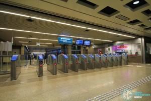 Bukit Panjang MRT Station - DTL Passenger Service Centre & Faregates