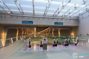 Changi Airport MRT Station - Mezzanine level (T2 end)