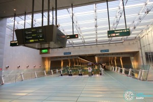 Changi Airport MRT Station - Mezzanine level (T3 end)