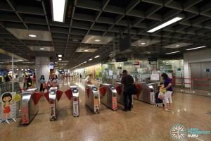 Chinatown MRT Station - NEL Passenger Service Centre & Faregates