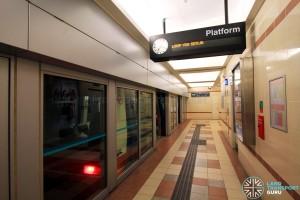 Ten Mile Junction LRT Station - Platform 1 boarding