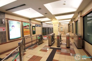Ten Mile Junction LRT Station - Turnstiles
