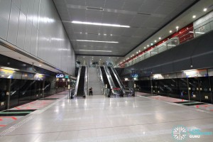 Caldecott MRT Station - Platform level