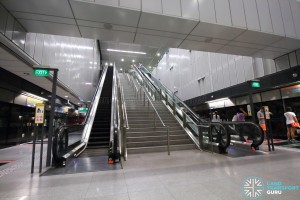 Escalators to concourse level