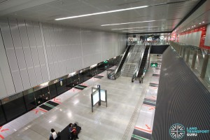 Telok Blangah MRT Station - Overhead view of platform from concourse level