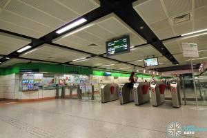 Dakota MRT Station - Passenger Service Centre & Faregates