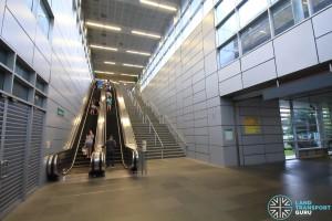 Paya Lebar MRT Station - Paid link between EWL Platform and CCL Concourse