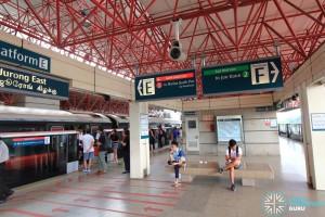 Jurong East MRT Station - Platform E/F