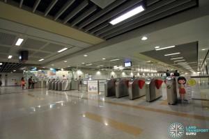 Buangkok MRT Station - Passenger Service Centre & Faregates