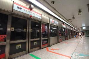 Somerset MRT Station - Platform B