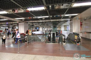 City Hall MRT Station - Paid concourse area