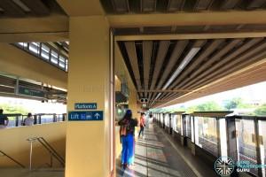 Commonwealth MRT Station - Platform A