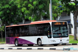 SG1048U on 61 - SMRT Buses Mercedes-Benz Citaro in SBS Transit base livery and white front & rear