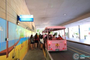 Beach Station Transfer Hub - Beach Tram queue