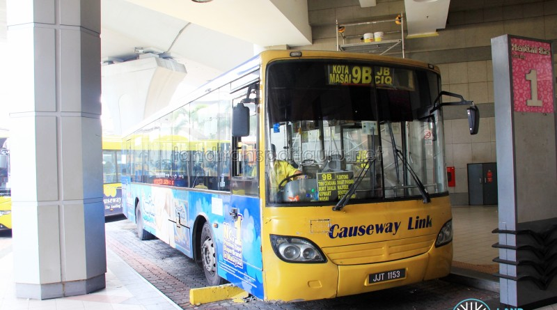 Causeway Link Mercedes-Benz CBC 1725 (JJT1153) – Route 9B