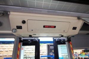 SG4001J Interior: Rear doors closing