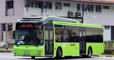 Tower Transit MAN NL323F (SMB3072H) - Service 947