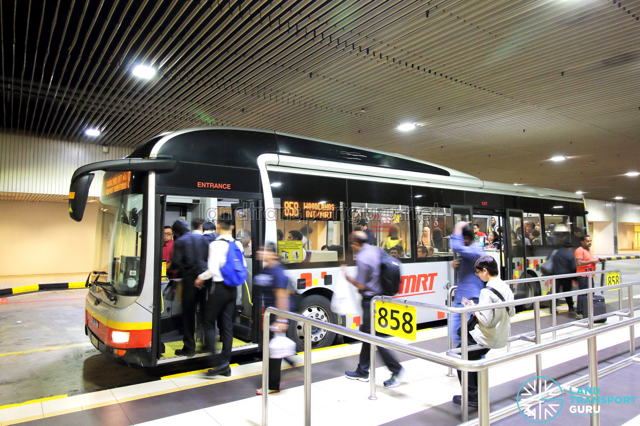 how to go to changi airport terminal 2 by bus