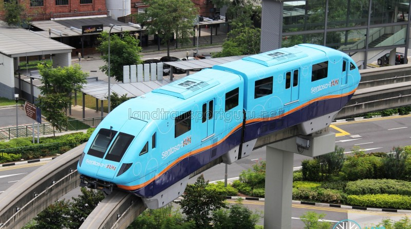 Sentosa Monorail - Blue Train