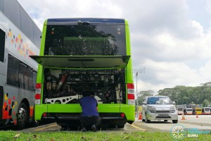 SG4002G in Woodlands Bus Park: Engine inspection