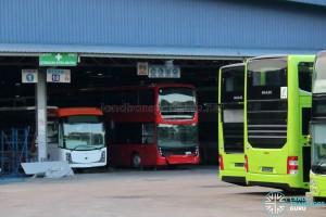 Gemilang Coachworks - BYD K9R for Long Win Bus, Hong Kong, beside a KMB Volvo B9TL