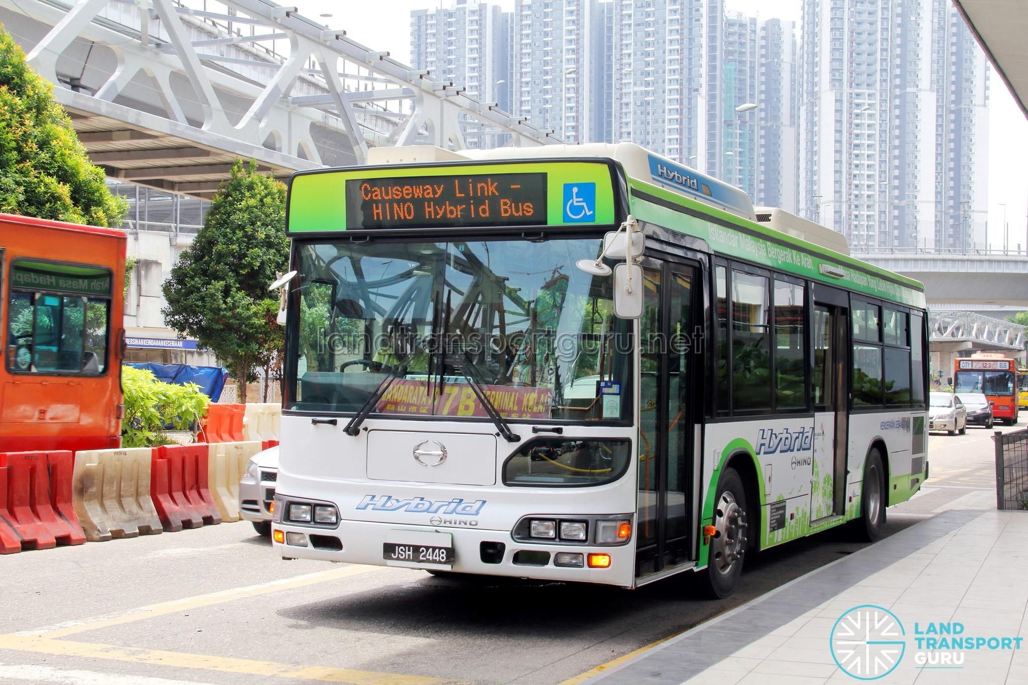 SMRT Zhongtong LCK6121G HEV