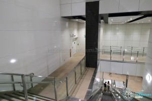 MacPherson MRT Station (DTL) - Service level between platforms and concourse