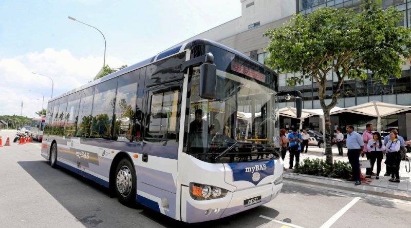 Fully-electric HIGER KLQ6109GEV at the myBas signing ceremony (Photo: BH Online)