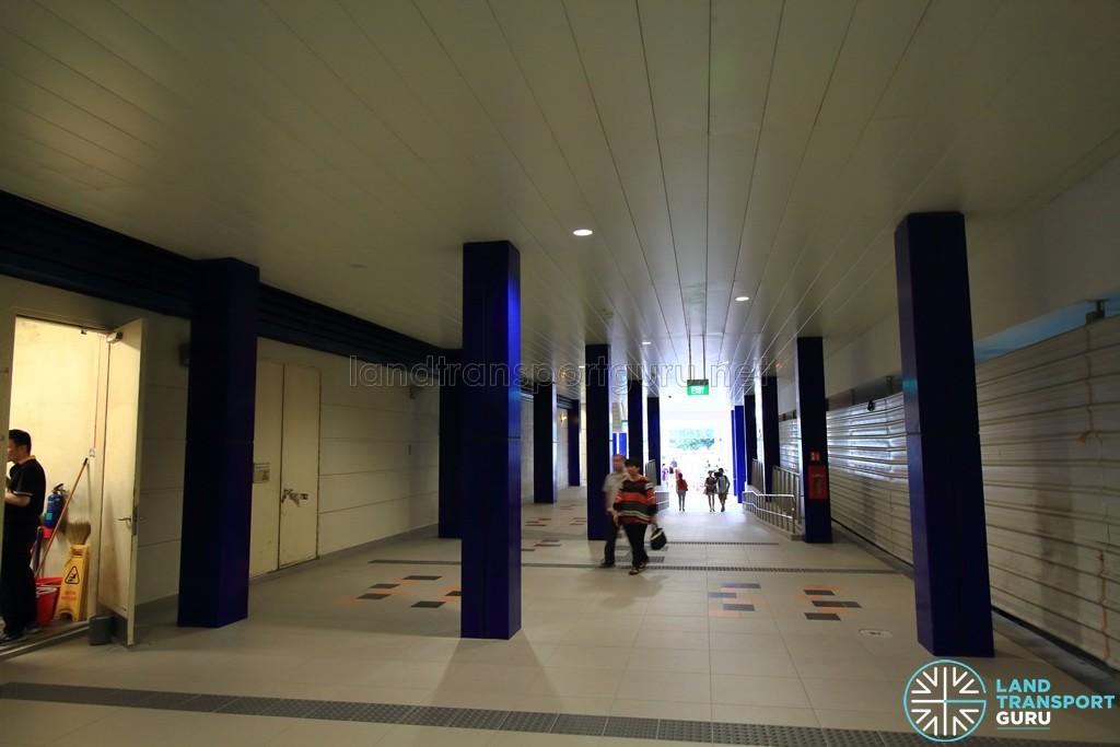 Bukit Panjang LRT Station - Ground floor walkway between Downtown Line and Bukit Panjang LRT