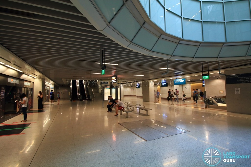 Promenade MRT Station - CCL Lower platform level (B4)