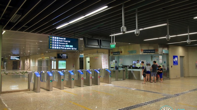 Botanic Gardens MRT Station - DTL Passenger Service Centre & Faregates