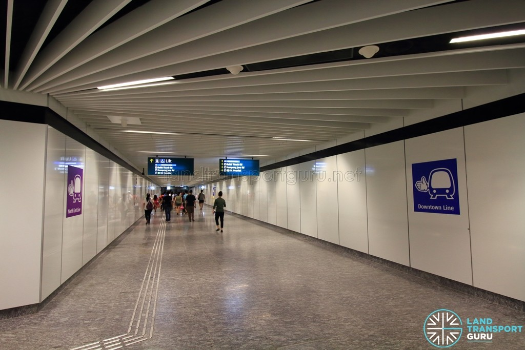 Little India MRT Station - Transfer linkway