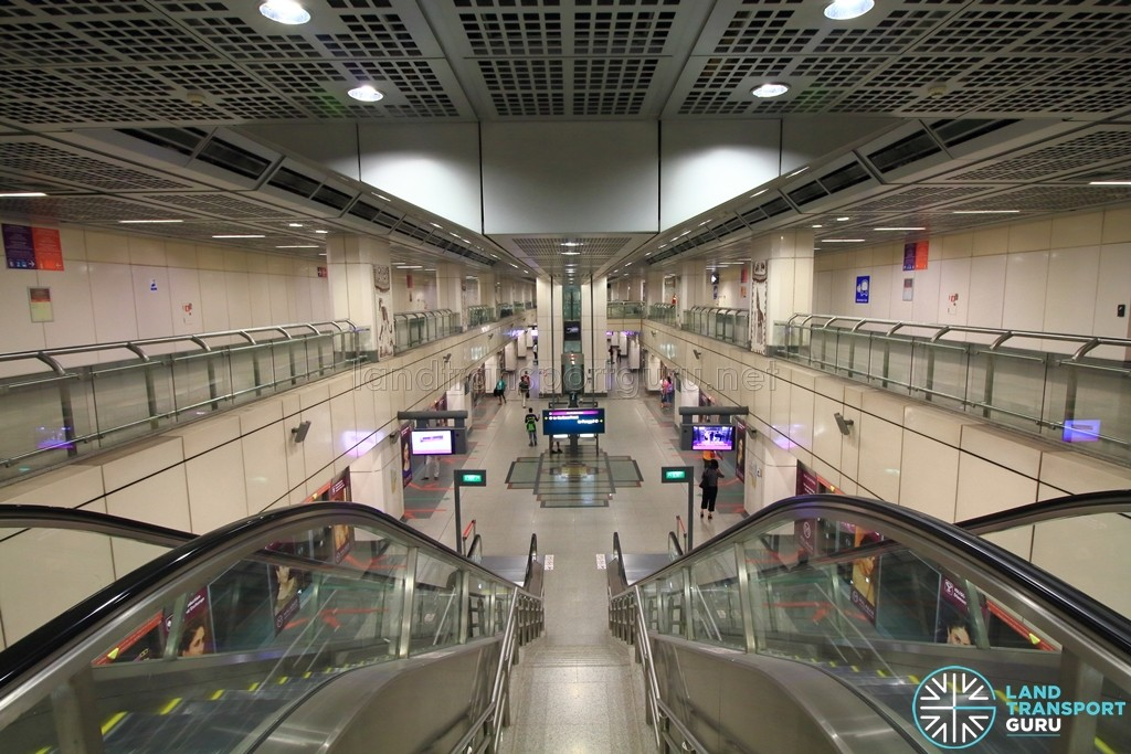 Little India MRT Station - NEL View of platform from concourse
