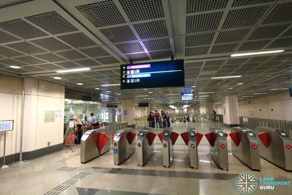 Little India MRT Station - NEL Passenger Service Centre & Faregates