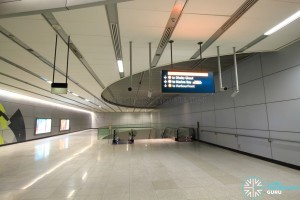 Esplanade MRT Station - Faregates (East concourse) - Paid area
