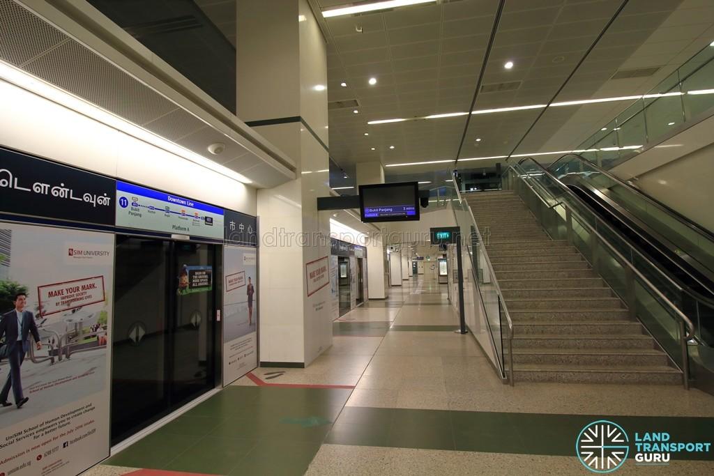 Downtown MRT Station - Platform level