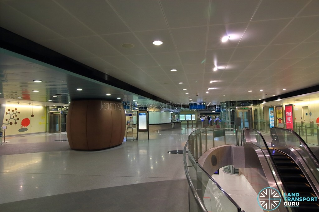 Telok Ayer MRT Station - Concourse level (Paid area)