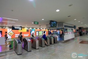 Dhoby Ghaut MRT Station - NSL Passenger Service Centre & Faregates
