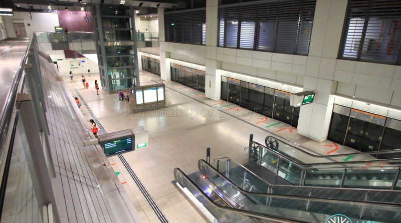 Bartley MRT Station - Overhead view of platform from concourse level