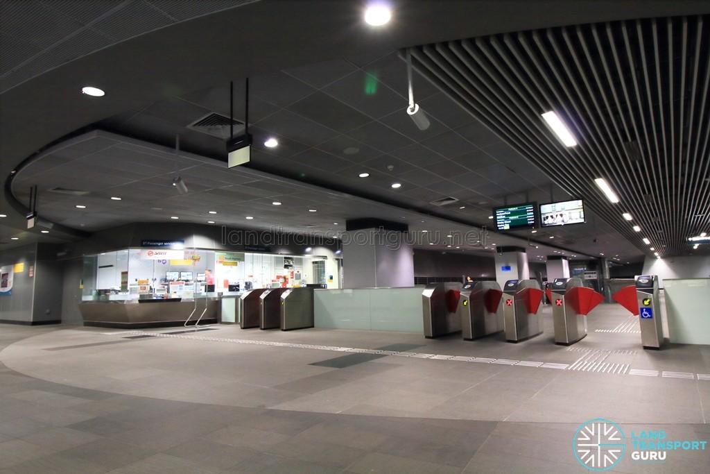 Nicoll Highway MRT Station - Passenger Service Centre & Faregates