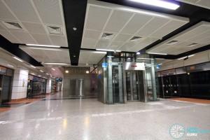 MacPherson MRT Station - Platform level