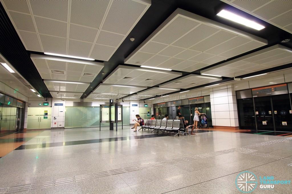 Dakota MRT Station - Platform level
