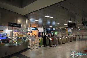HarbourFront MRT Station - CCL Passenger Service Centre & Faregates