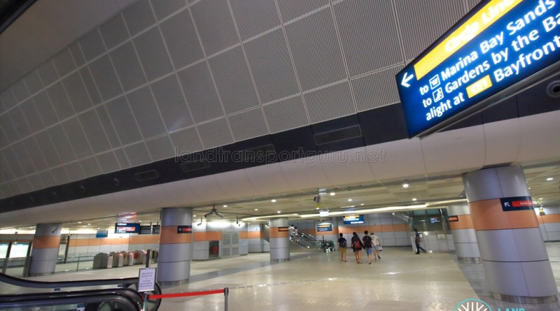 Marina Bay MRT Station - B2 Transfer Hall, linking with the CCL Platforms above